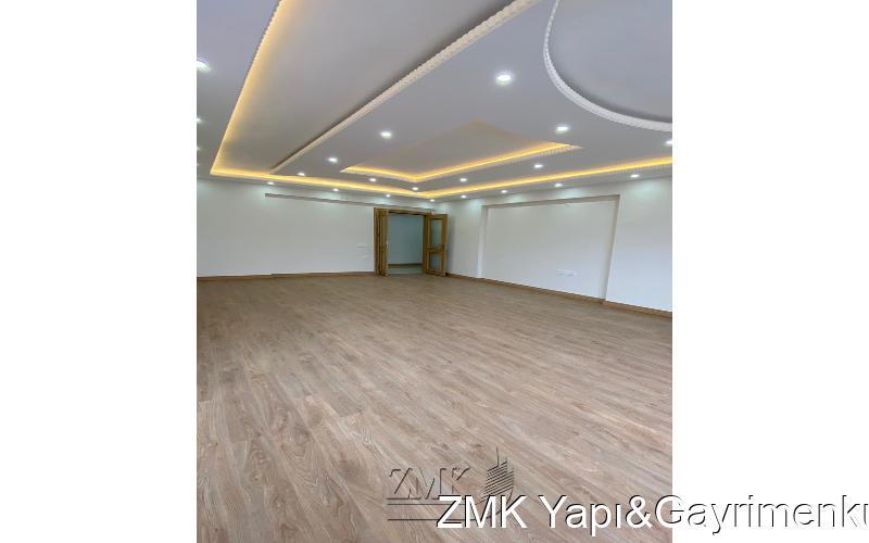 BÜYÜKÇEKMECE de 4+1 - 220 m² DENİZ MANZARALI SİTE İÇİ DAİRE